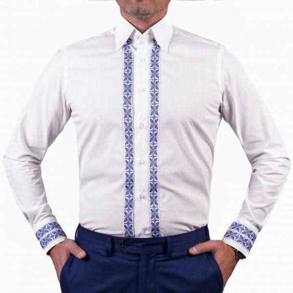 camasa alba cu motive traditionale albastre